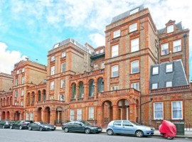 1 Bedroom Flat at Courtfield Road, SW7, London